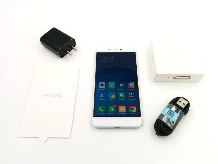 Lieferumfang mit Mi5s, Ladegerät, USB Kabel und Bedienungsanleitung