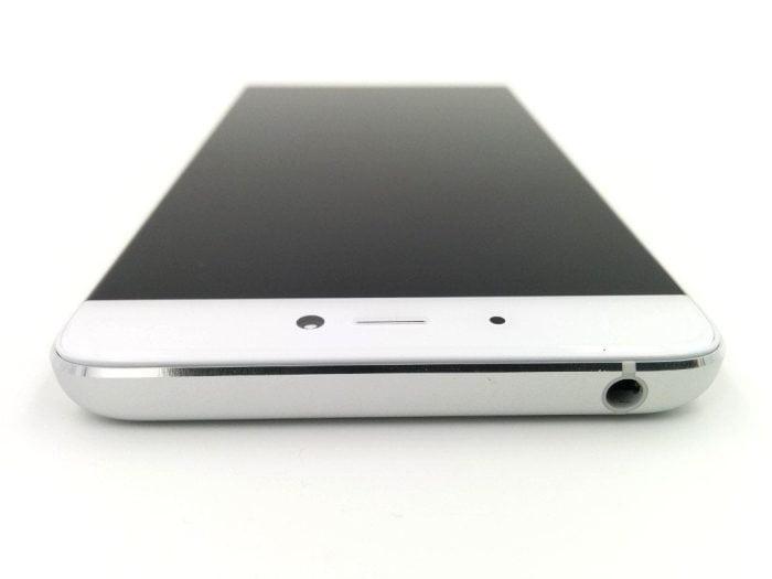 Oberseite des Xiaomi Mi5s mit Audioausgang