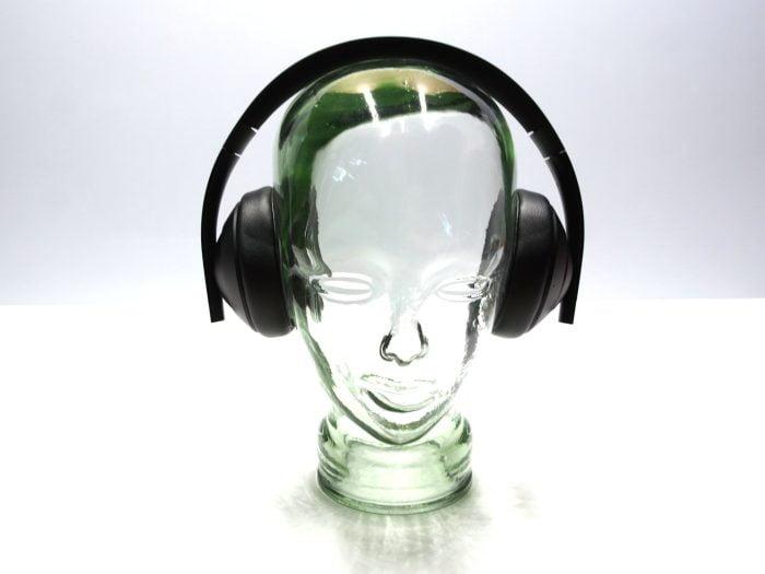 Headset head-on