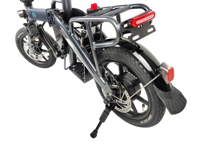 Roda traseira da e-bike FIIDO L3 com luz de freio