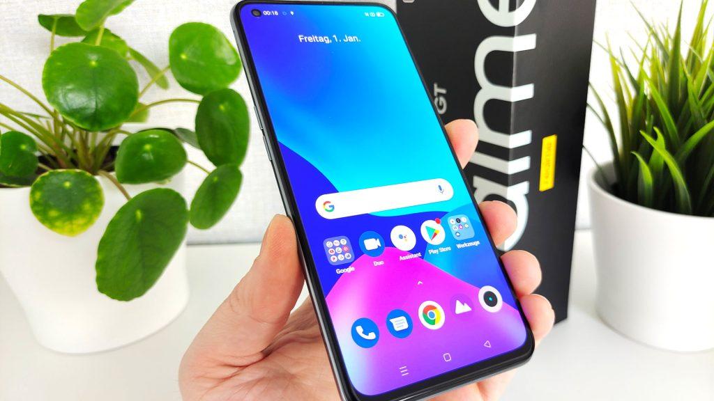 realme GT 5G Smartphone Review