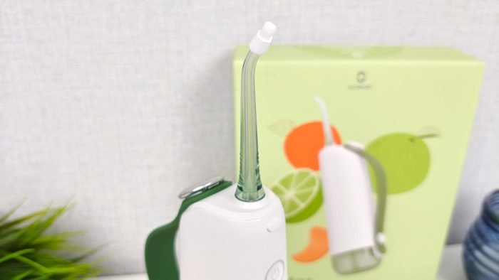 Oclean W10 oral bevattningsanordning med anslutet munstycke